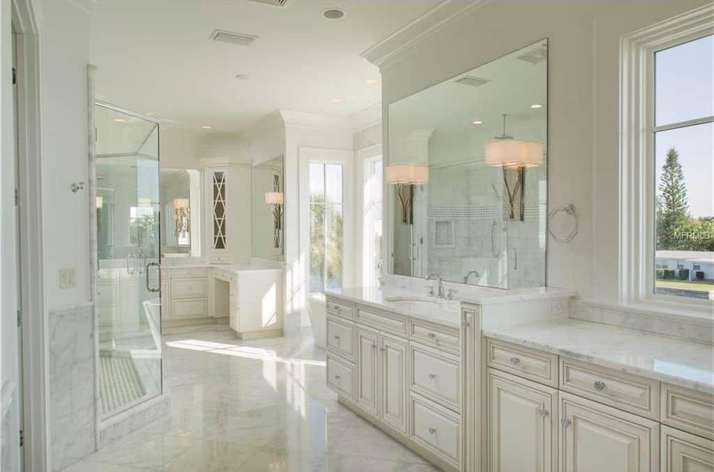 101 Unique Bathroom Ideas Photos Bathroom Remodel Master Luxury Master Bathrooms White Master Bathroom