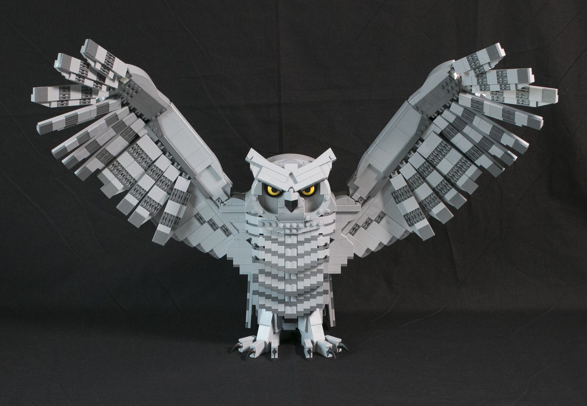 https://flic.kr/p/Sifqst   Owl_front   This owl was built as a part of a collaborative build based on the book series Mouse Guard by David Petersen