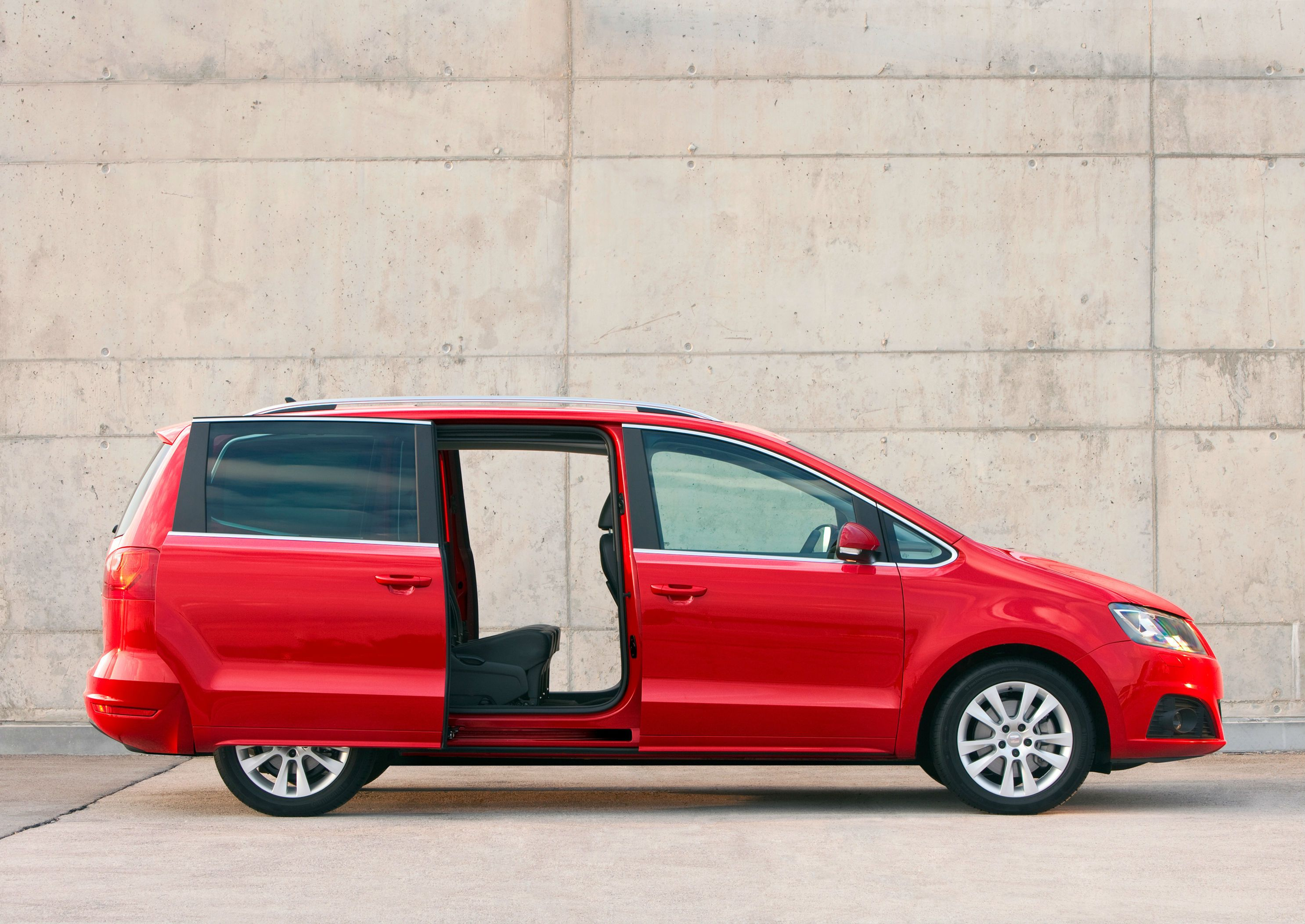 Image Result For Interior Economy 7 Seater Van With Automatic Sliding Door Car Buying Guide Car Buying Used Cars