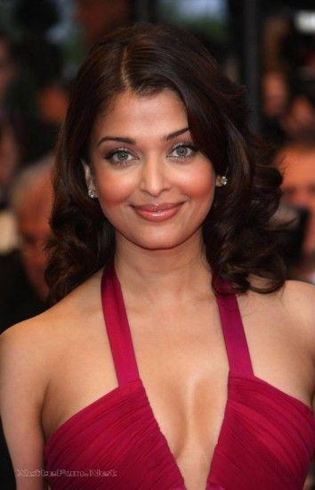 Hot and sexy pics of aishwarya rai