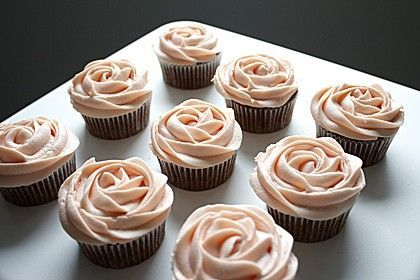 Vanilla Cream Cheese Frosting   - Cupcakes & Friends -