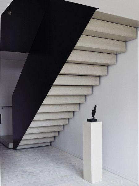 Un apartamento de diseño con historia Escaleras modernas, Escalera - escaleras modernas