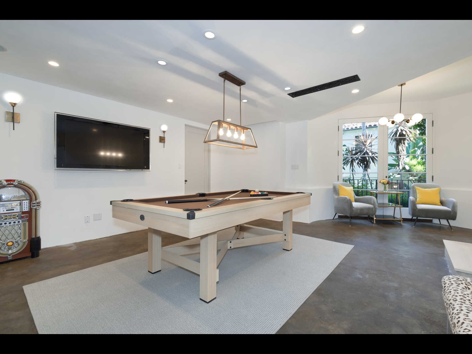 1448 Queens Way, Los Angeles Property Listing: MLS® #c11109 | Fresh ...