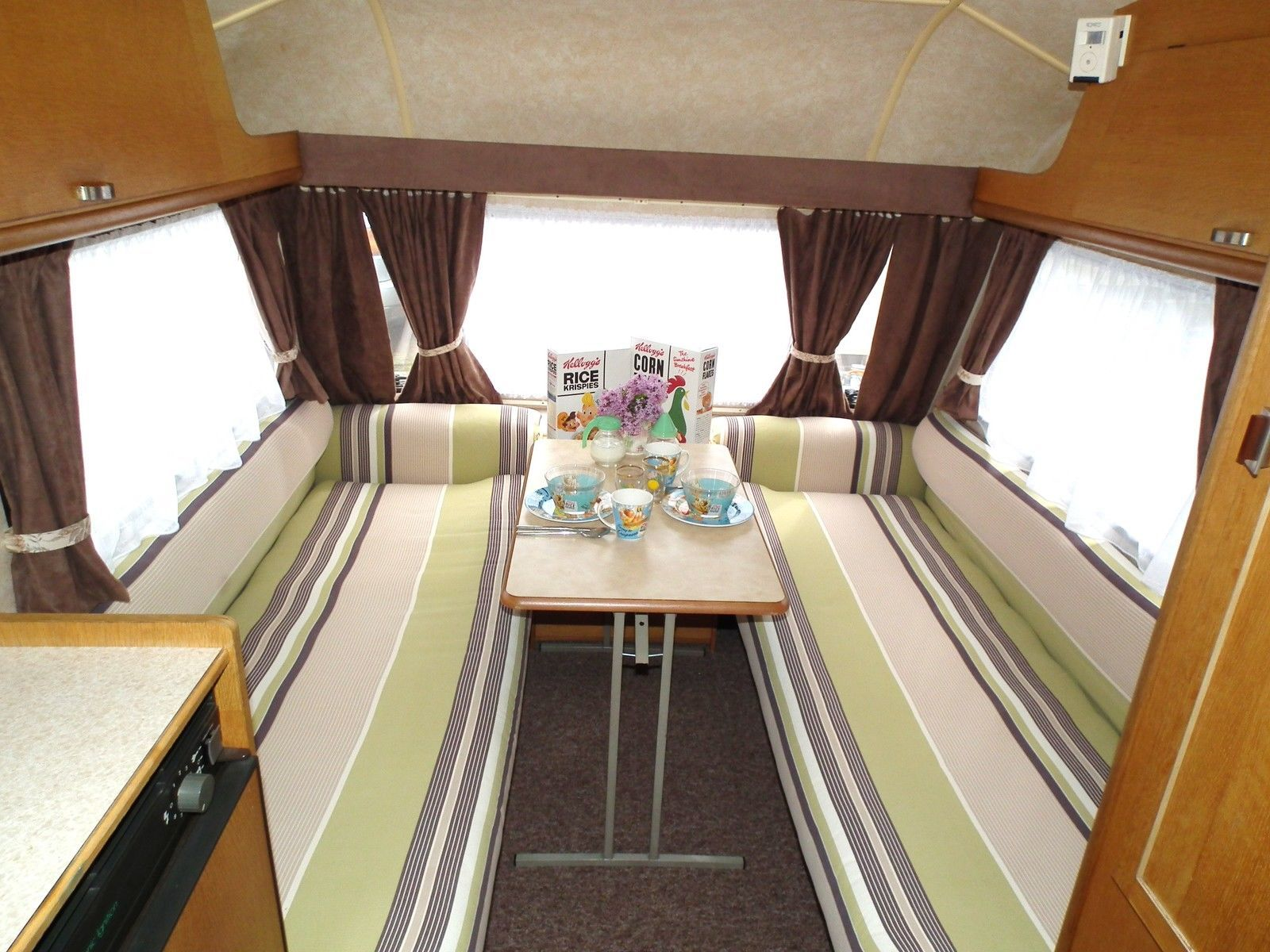 Retro Vintage Shabby Chic Caravan Avondale Wren 1986 2 Berth Shabby Chic Caravan Caravan Interior Shabby Chic