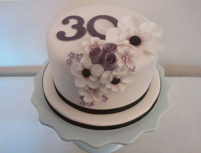 elegant birthday cake could work with wedding as well kuchen pinterest. Black Bedroom Furniture Sets. Home Design Ideas