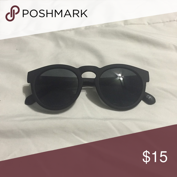 Black Round Sunglasses never worn // comes with sleeve ASOS Accessories Sunglasses
