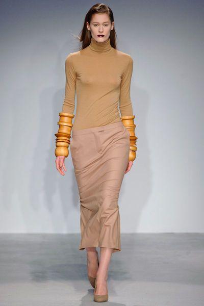 looks-locos-fashion-week-orginales-estilo-style-crazy-semana-moda-modaddiction-pasarela-desfile-runway-catwalk-paris-londres-london-nueva-york-new-york-vc3a9ronique-branquinho