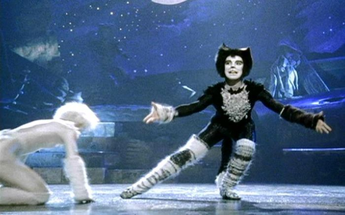 Quaxo Magical Mr Mistoffelees In 2020 Cat Movie Jellicle Cats Cats Musical