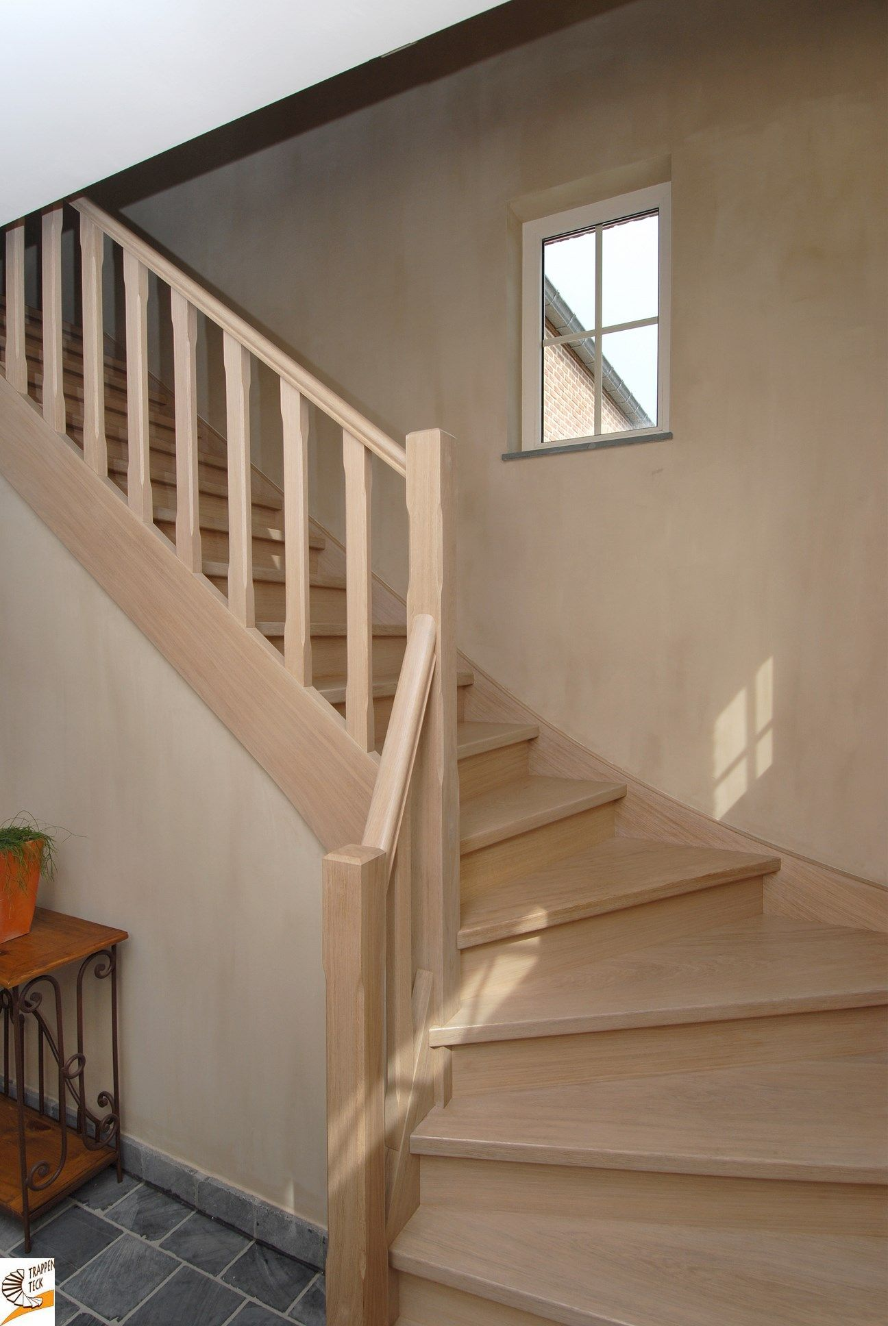 Landelijke houten trap op maat van trappen teck puurs landelijke trappen - Deco houten trap ...