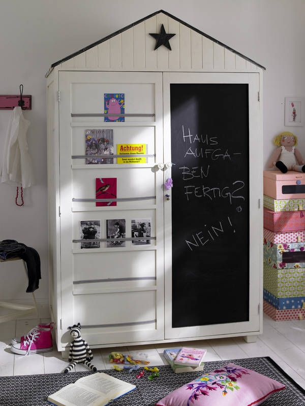 Dziecieca Szafa Z Tablicowym Frontem Pokoj Dziecka Styl Nowoczesny Aranzacja I Wystroj Wnetrz Baby Room Closet Kids Wardrobe Room Closet
