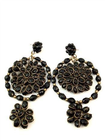 f9795542902f Pendientes grandes negros y dorados. (alquiler 3€
