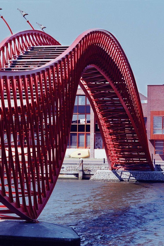 Borneo sporenburg bridge python pedestrian bridge for Design bridge amsterdam