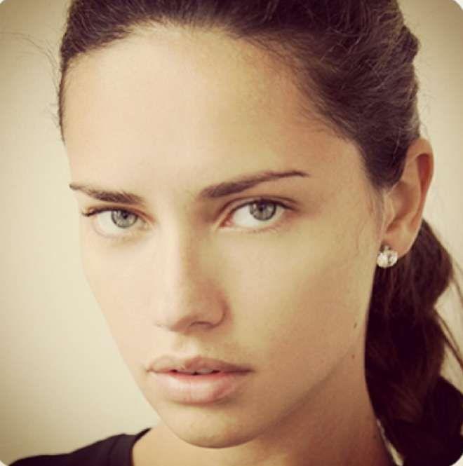Plus Belle Femme Du Monde Sans Maquillage Epingle Sur Elegance