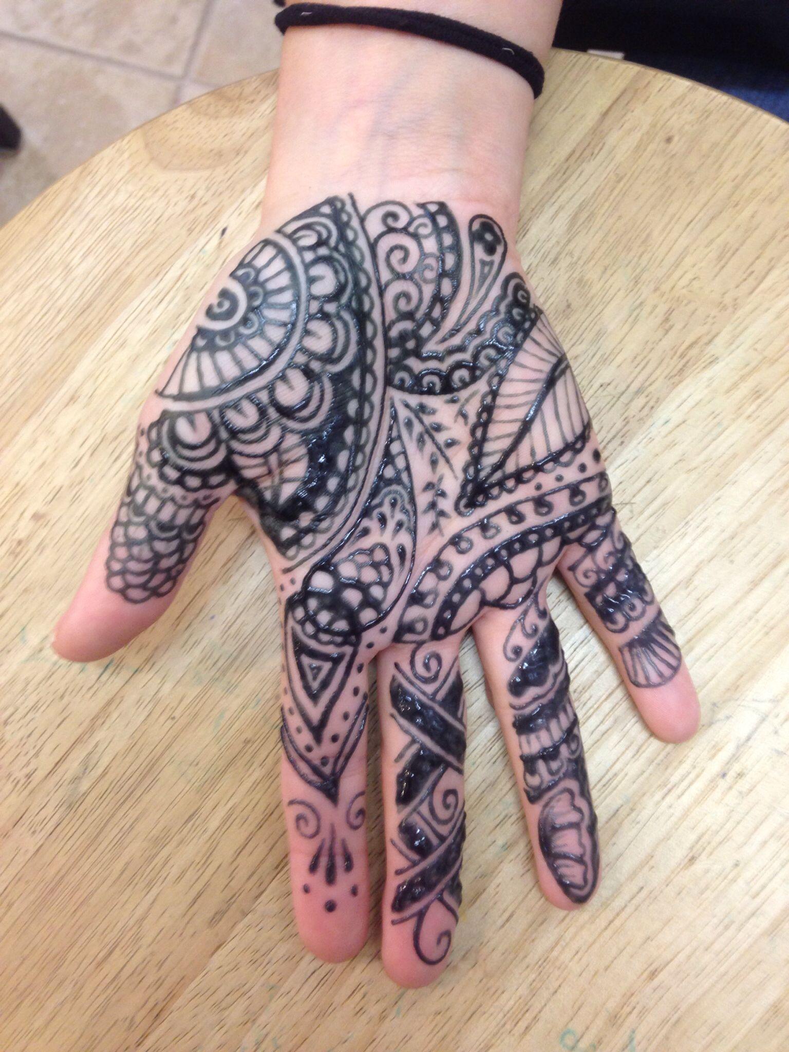 519d47083 Henna mehendi on the palm of the hand   Henna   Henna, Hand tattoos ...