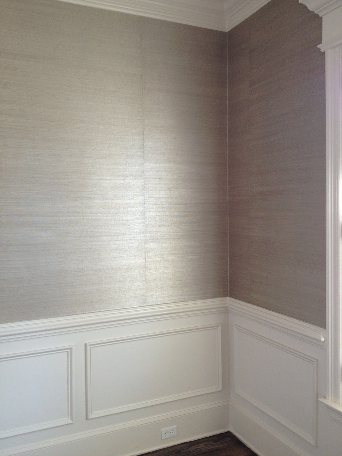 love the grasscloth wallpaper & wainscoting - dining room | ~ home