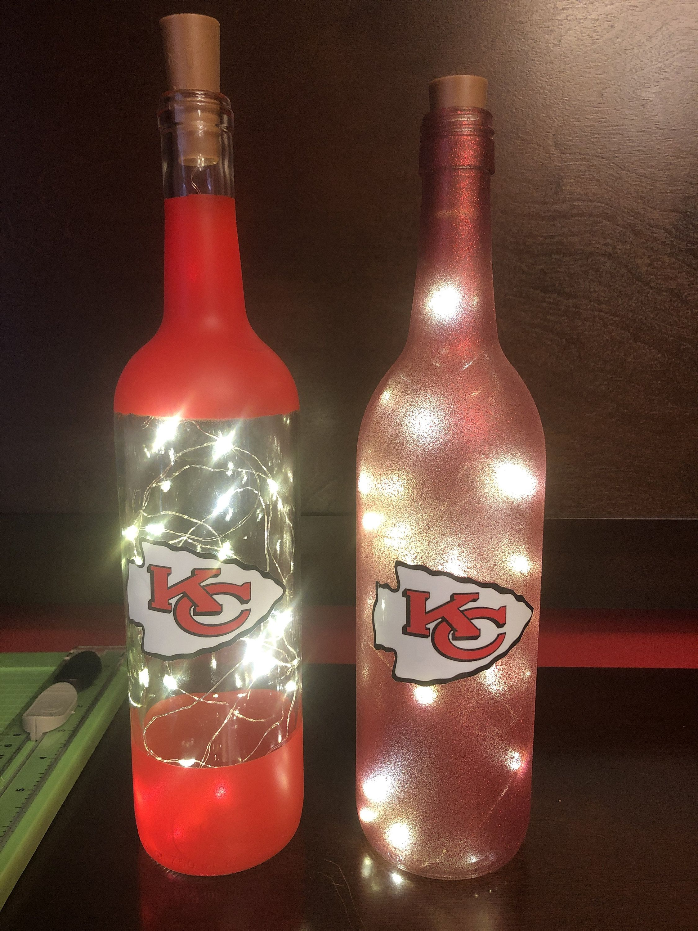 Superbowl Champion Kc Chiefs Lighted Bottle Red Glitter Etsy In 2020 Wine Bottle Crafts Christmas Wine Bottle Diy Crafts Recycled Bottle Crafts