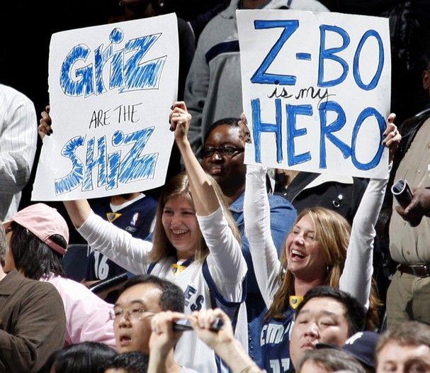 Memphis Grizzlies Fans Cheer On Their Team Against The Phoenix Suns Monday January 18 2010 Memphis Grizzlies Memphis Grizzlies Basketball Memphis