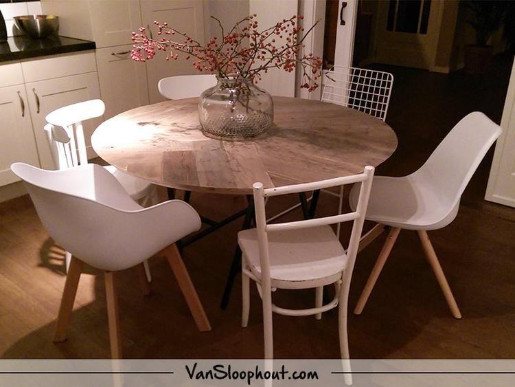 Een Sloophout Interieur : Rond artistiek sloophout tafelblad de timmerman heeft zijn