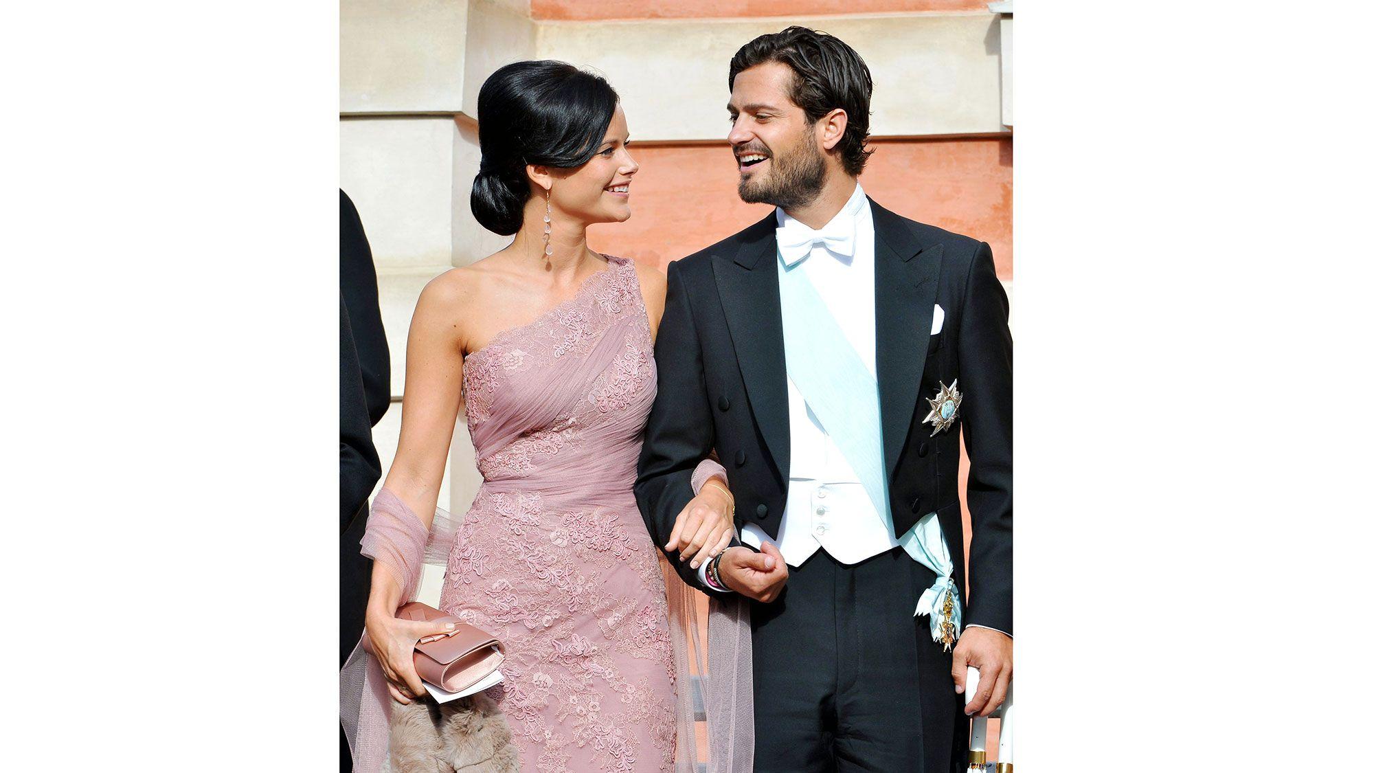At the wedding of Gustaf Magnuson & Vicky Andren, August 2013   - HarpersBAZAAR.com