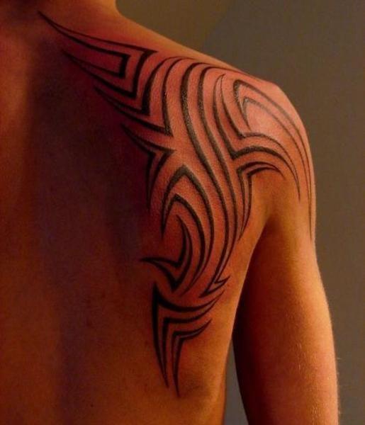 Tatuajes En El Hombro Para Hombres Cuerpo Y Arte Disenos De Tatuajes Tribales Tatuajes Para Hombres Tatuajes De La Manga Tribal