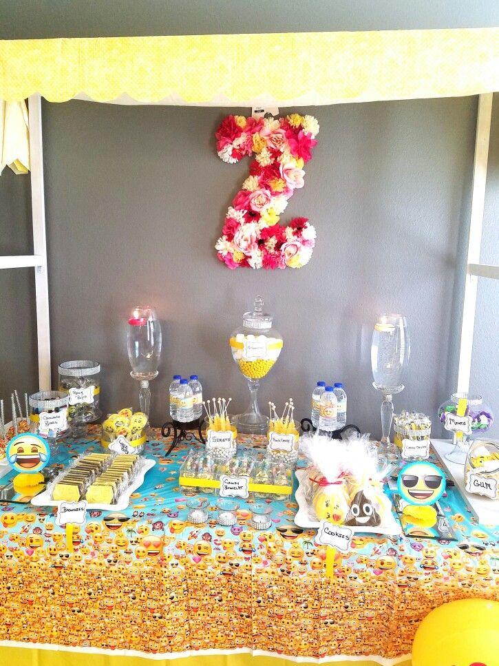emoji candy bar food emoji birthdays birthday parties rh pinterest com