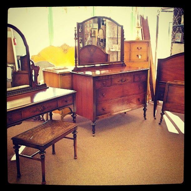 Genial Antique Bedroom Set By SLIGH Furniture C. 1930u0027s Antique Bedroom Sets,  Vanities, Benches