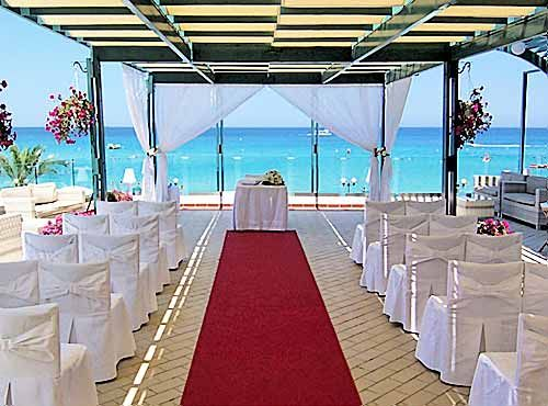 Like The Location But Would Use Different Decor Beach Wedding Venue