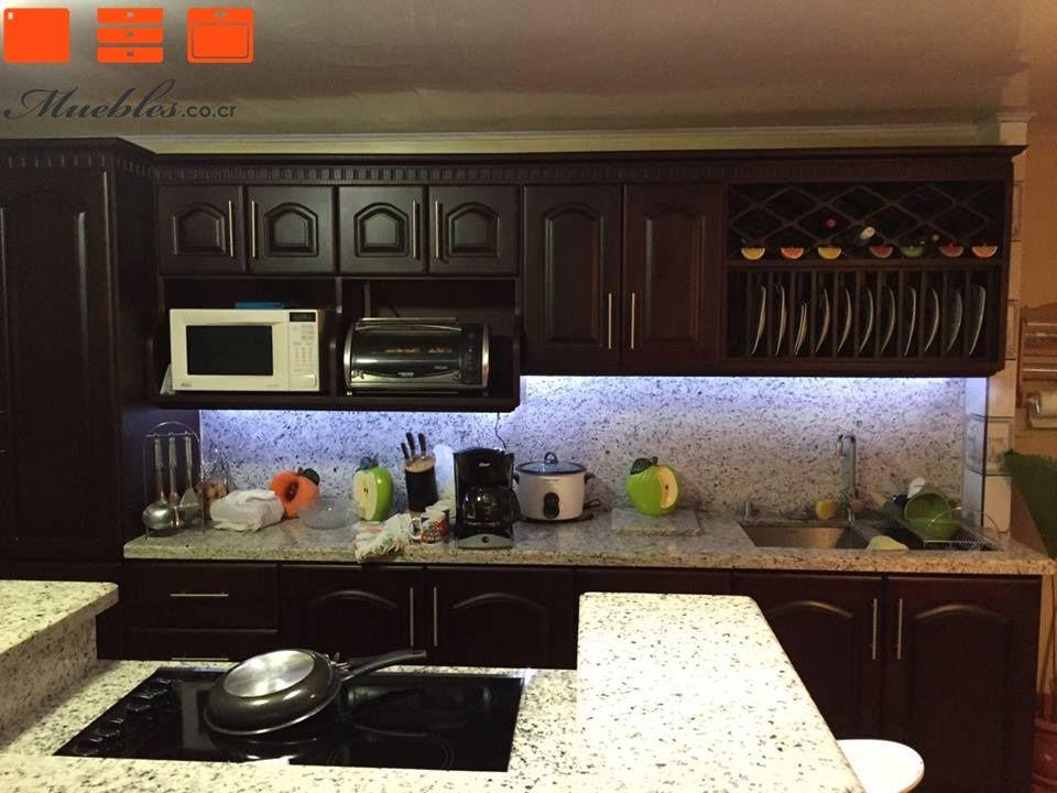 Mueble de cocina con isla personalizada muebles aereos for Mueble isla de cocina