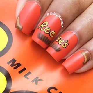 Reese's Nails