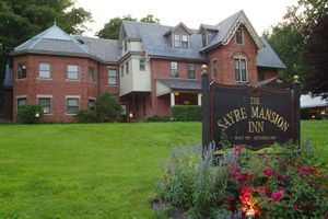 Originally The Home Of Town Icon And Entrepreneur Robert Sayre The Sayre Mansion Offers Luxury Accommodations And Busines Mansions Sayre Mansion Valley Hotel