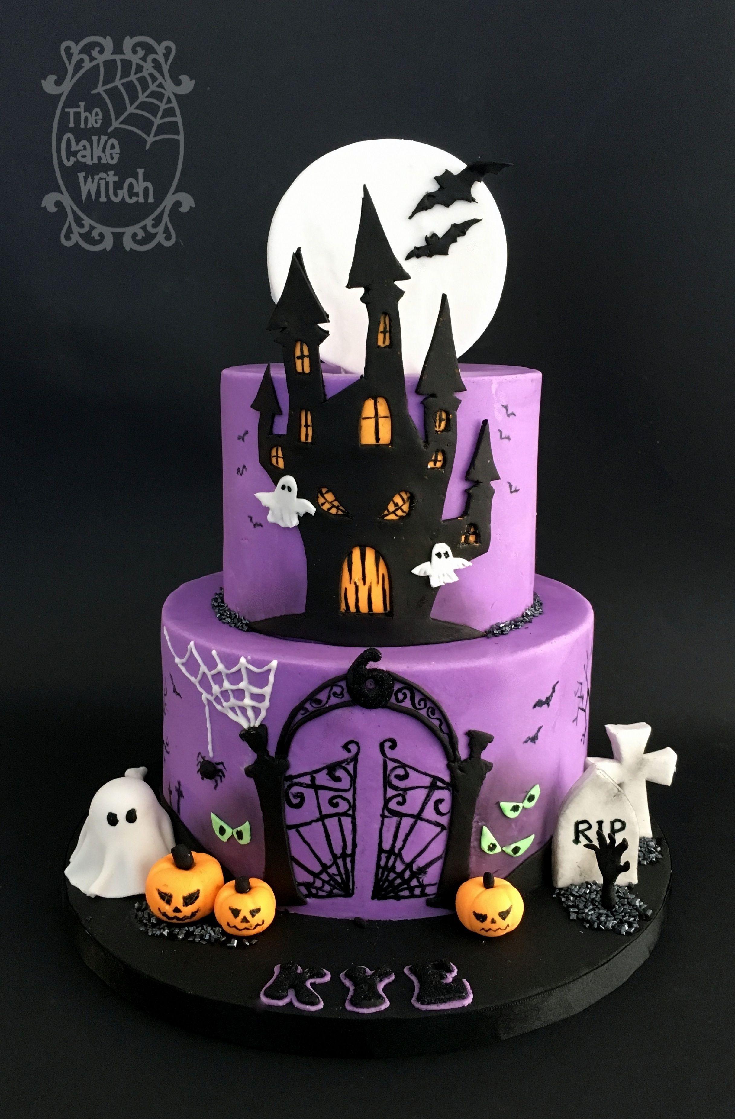 Halloween Cake scary house
