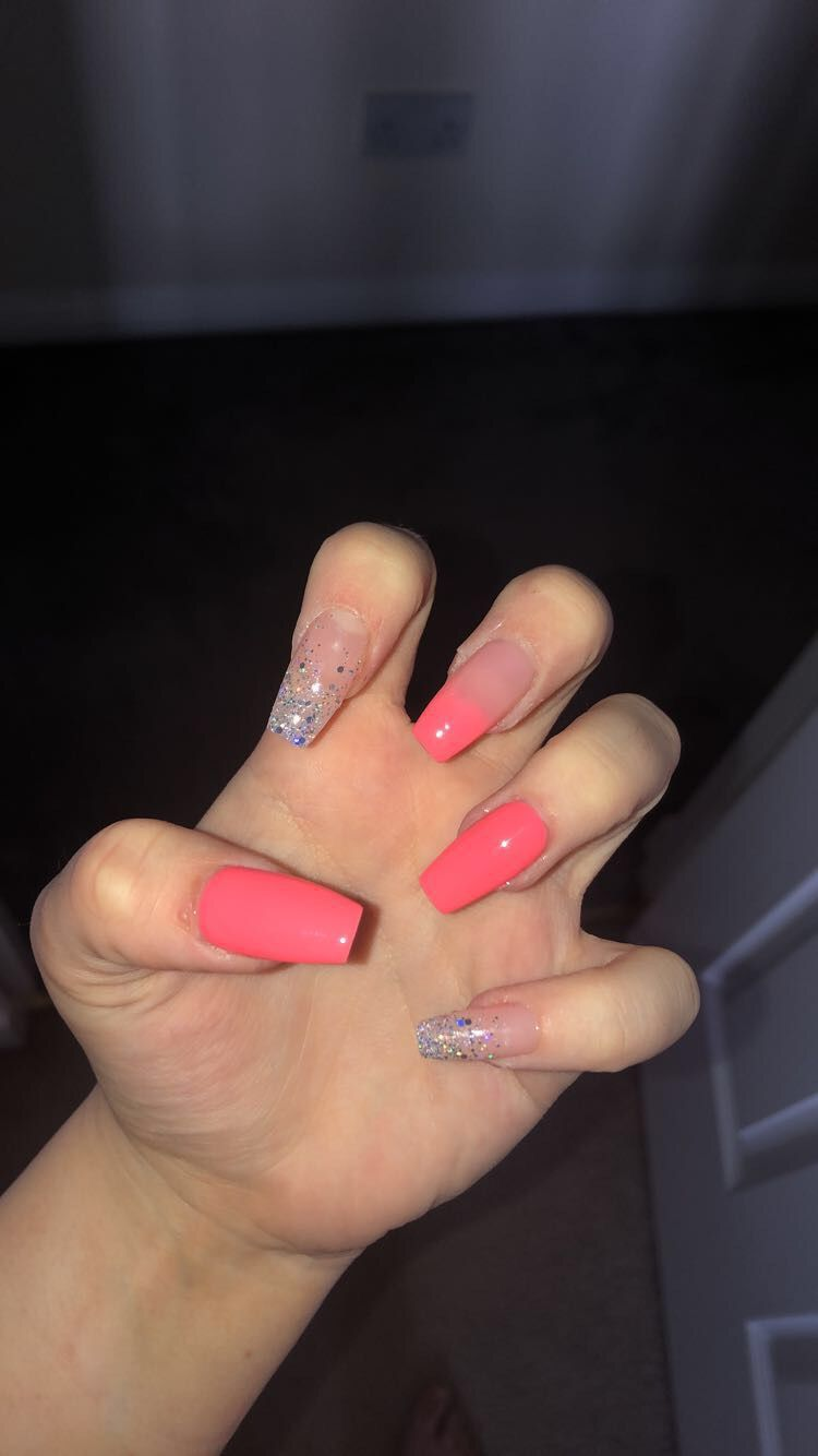 Pin by Slavica on Körmök   Neon coral nails, Gel nails
