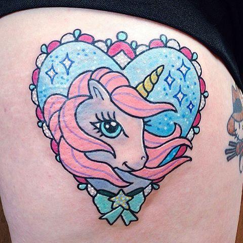 Pequeño unicornio para @black_widow_medusa ✨ Muchas gracias  Hecho en @ltwtattoo  #ltwapprentice #ltwtattoo #numitattoo #kawaiitattoo #cute #unicorn