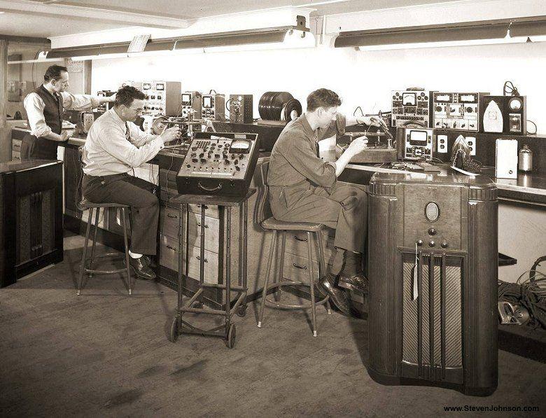 Early Radio Workbench Photos Ham Radio Vintage Radio Antique Radio
