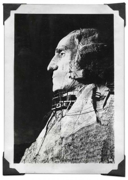 Vintage Travel Photo of Mount Rushmore - Click for larger photograph