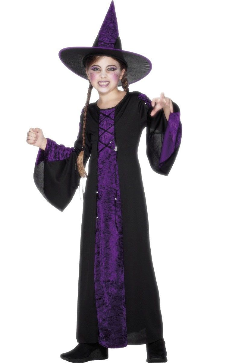 You'll look extra spooky this Halloween in this girl's black and ...