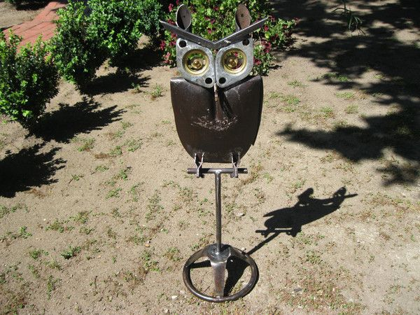 Owl Garden Sculpture.Owl Garden Sculpture Made From Recycled Metal Items ,  Stand 92 Cm High.