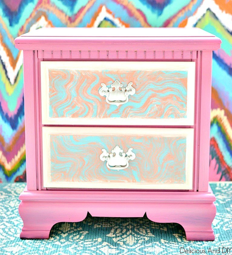 Learn How To DIY Faux Marble Furniture #marblepainting