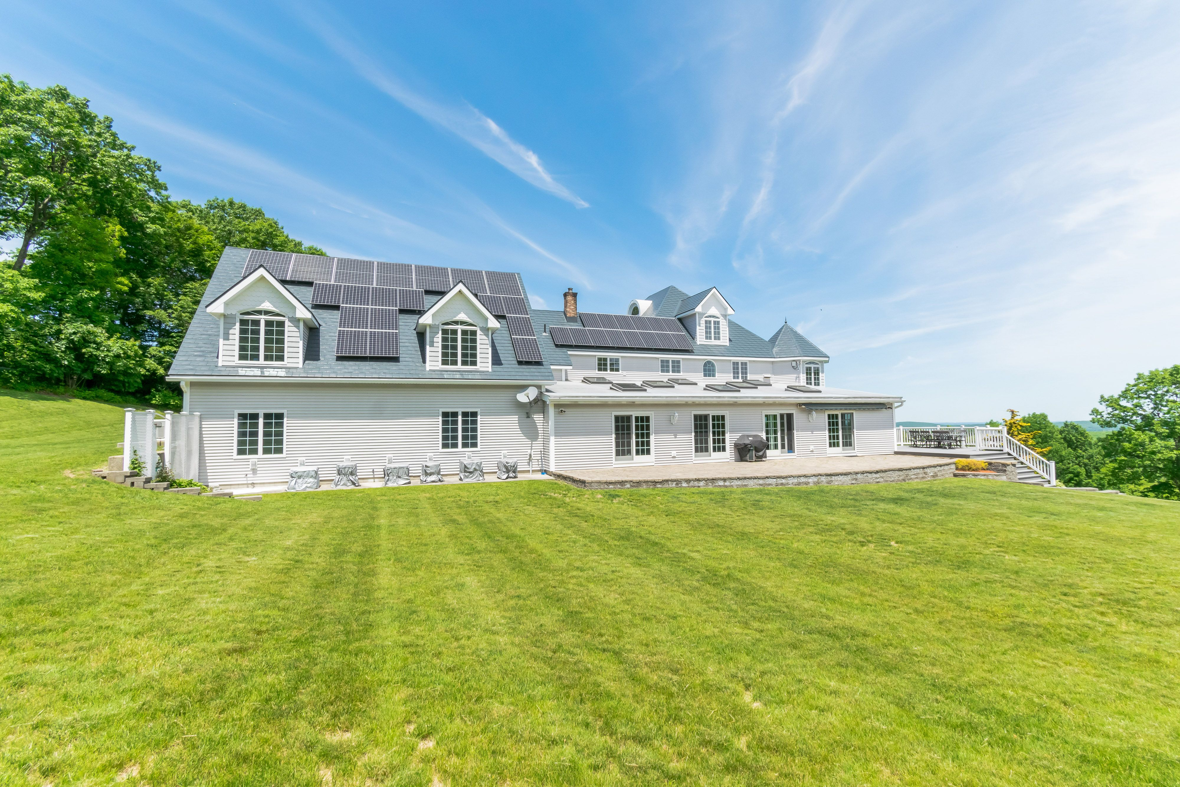 Princeton Ma Metal Roofing With Solar Panels Roofing Roof Roofing Systems