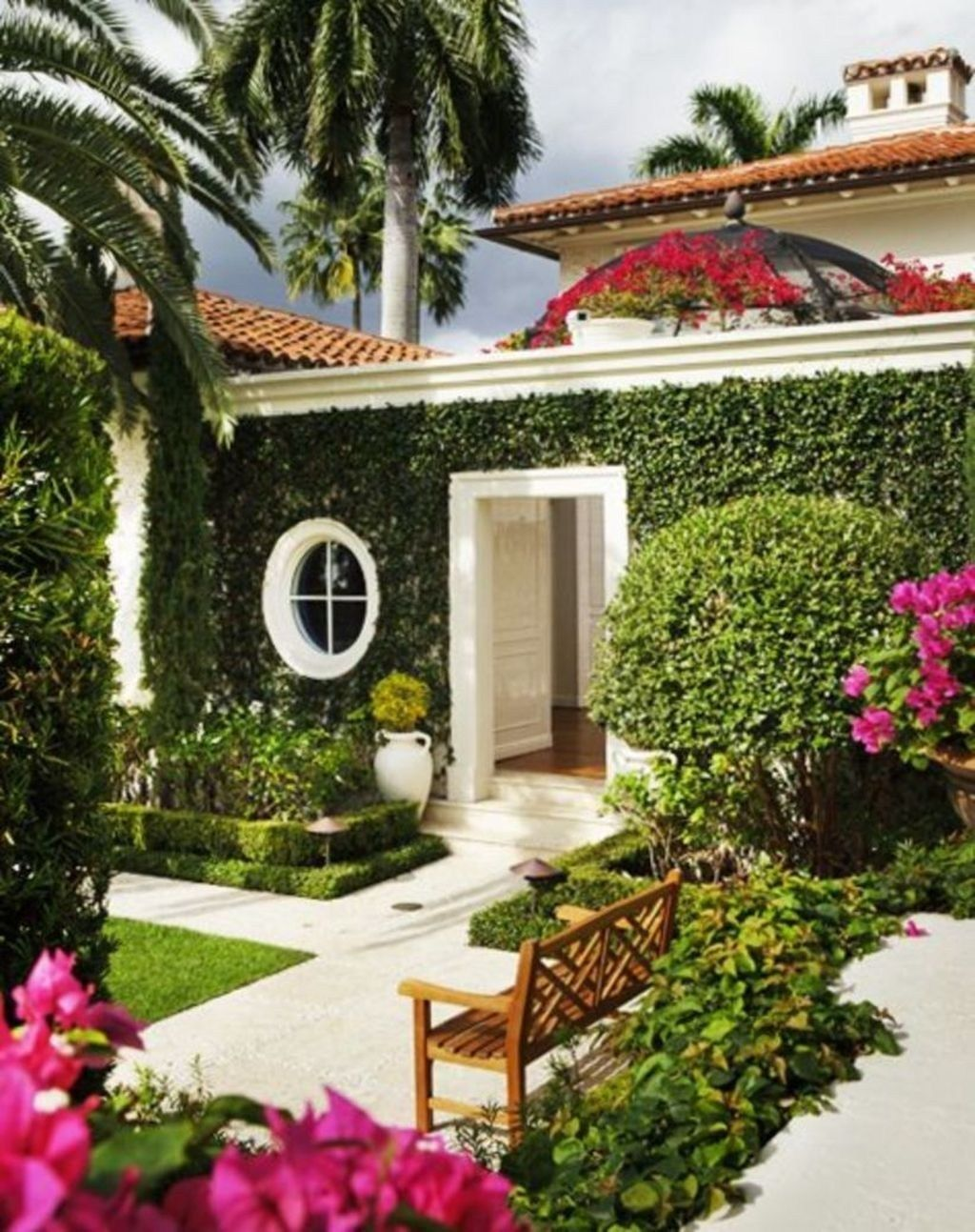 30 Cute Palm Gardening Ideas For Front Yard Beautiful Home