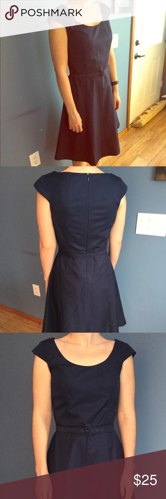 Isaac mizrahi target dress just below knee length semi formal dress