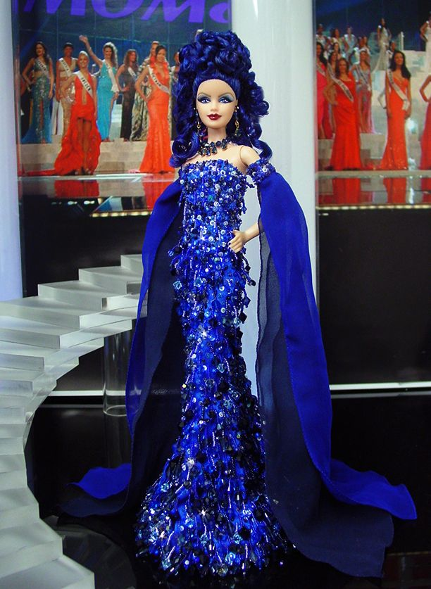 Miss Alania 2013/14 by Ninimomo Dolls--ok not exactly brunette but dark cobalt blue counts!