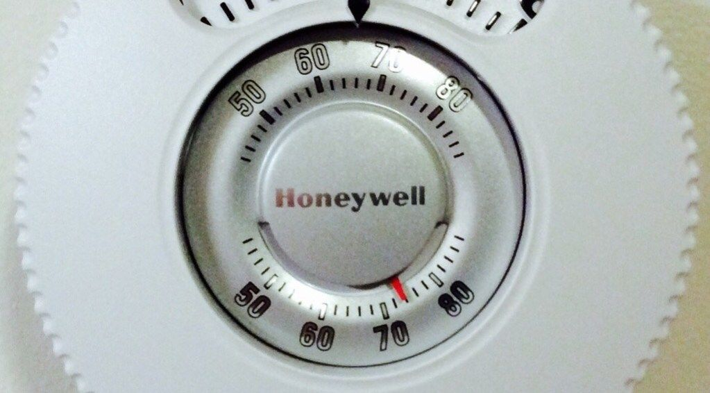 Honeywell T87n1026 Large Number Thermostat Review Tom S Tek Stop