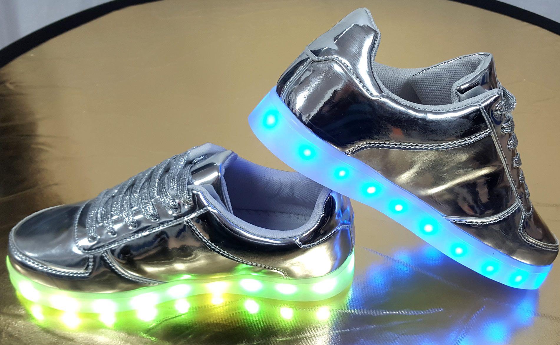 oplaadbare led verlichting voor schoenen modedamnl verkoopt dames sneakers met ledjes in