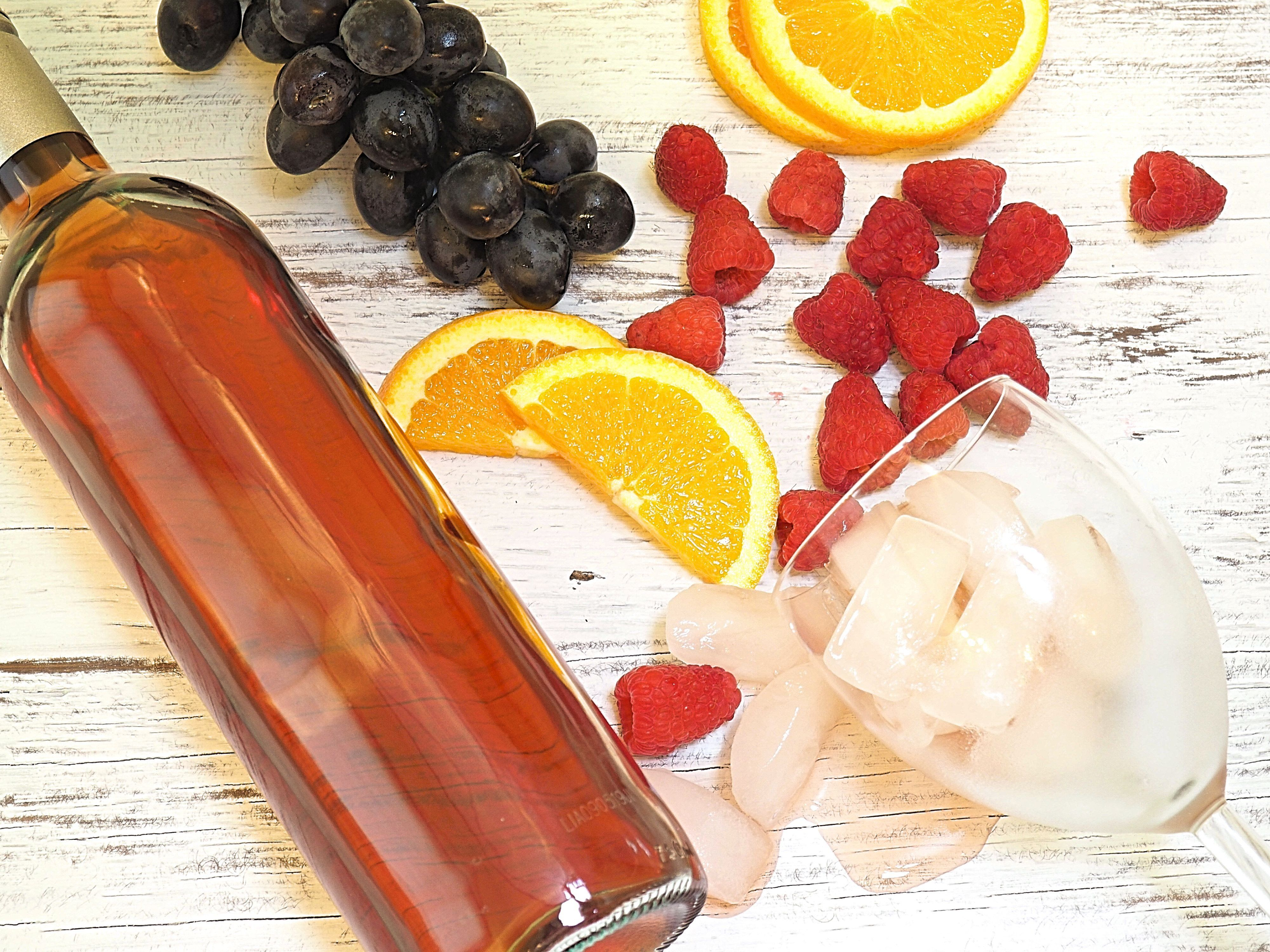 11 Of The Best Fruity Sweet Tasting Wines Under 20 Fruity Wine Sweet Wine List Sweet Red Wines