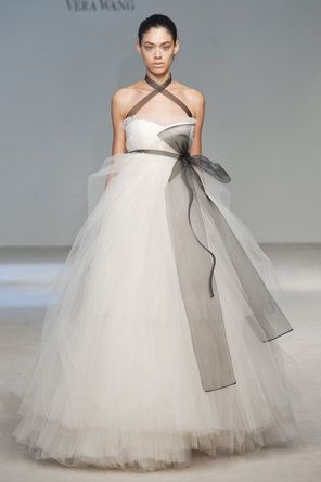 Vera Wang Tulle Wedding Dress
