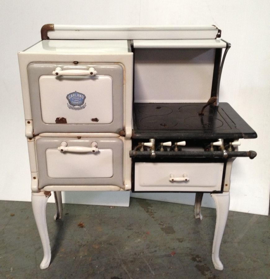 Perfect Antique Vintage GARLAND STOVE AND FURNACES Gas Nice | Stove, Stove  IE98