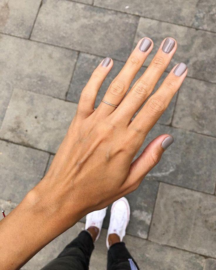 """APRIL TO YOU on Instagram: """"Наши любимые #april_girls считают, что серый маникюр - это как чистый лист� Ты можешь сам додумать яркую картинку! И мы с ними полность…"""""""