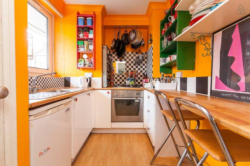 London airbnb Unique Cozy Apartment | Cozy apartment, Rent ...