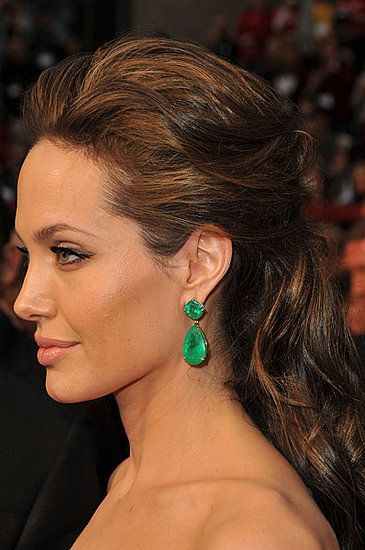 9a44e395c Angelina Jolie's hair looks great but I LOVE the emerald earrings even more!